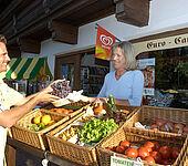 Minimarkt, frisches Obst und Gemüse