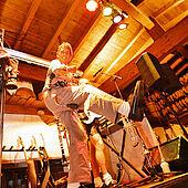 Live Band auf der Bühne der Kaiseralm