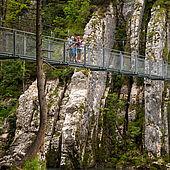 Wanderbrücke über die Tiroler Ache