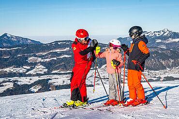 Skifahren mit Kindern, Kaiserwinkl, © Tourismusverband Kaiserwinkl