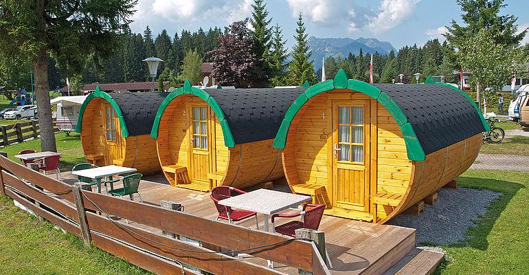 Eurocamp Fässer am Campingplatz in Kössen