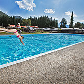 Großer eigener Pool im Eurocamp Wilder Kaiser in Kössen