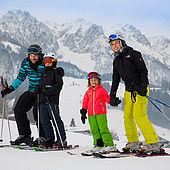 Schifahren mit der ganzen Familie im Kaiserwinkl