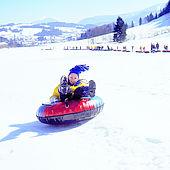 Snowtubing im Tiroler Kaiserwinkl macht Spaß